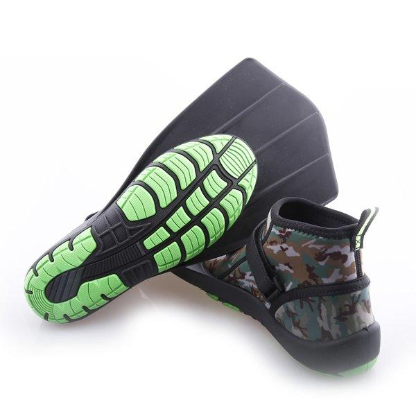Snorkeling fins with shoes